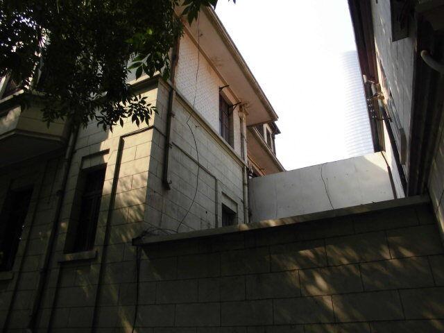 9.旧居の裏側