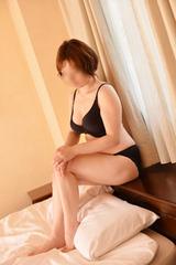 AK○48 篠田真○子の面影を持つ人妻 3