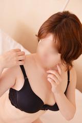 AK○48 篠田真○子の面影を持つ人妻 1