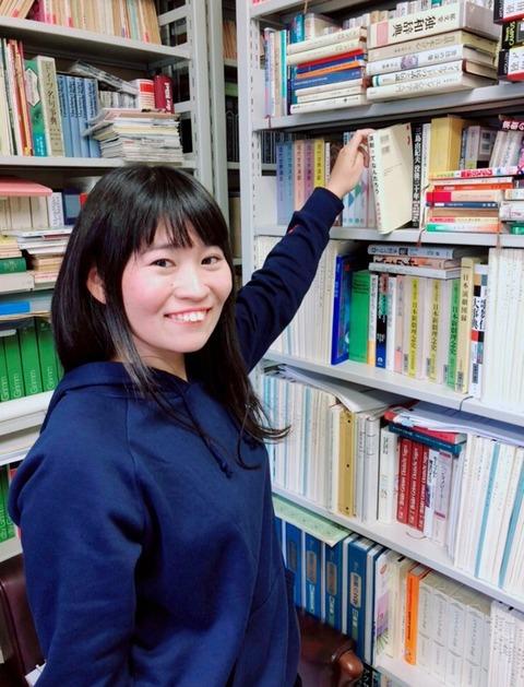 かみちゃん 本棚