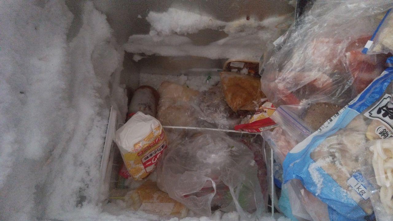 冷凍庫 私 いる に て 夫 は 眠っ の