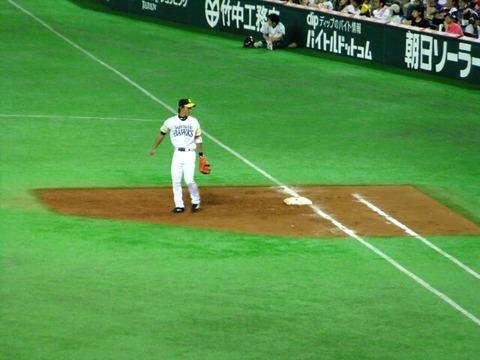一塁の守備固めに使われる普段二遊間守ってる選手