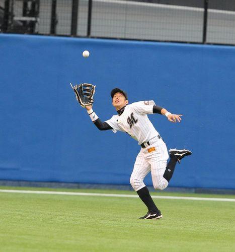 守備範囲が岡田の3倍の選手がいたとして