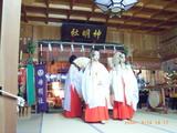 神明社の浦安の舞奉納