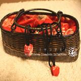 赤い古布のかごバッグ