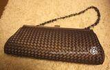 ブロンズ色の編み編みクラッチバッグ