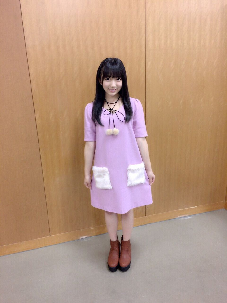 矢吹奈子の私服画像