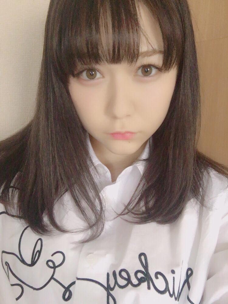 目元の色がとても可愛い村重杏奈の画像♪