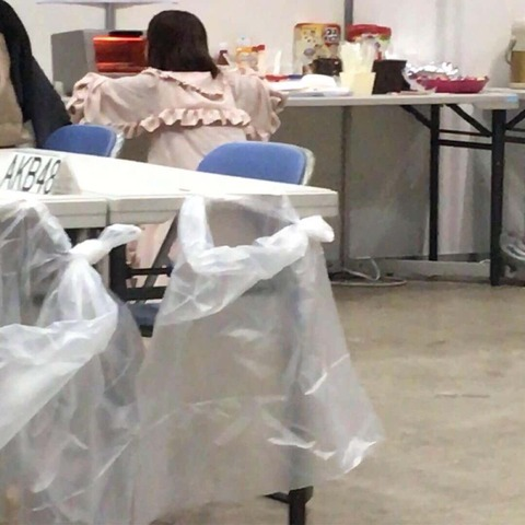 【画像アリ】朝ごはんのパンが待ち遠し過ぎて  トースターの前から動けない宮脇氏の画像をどうぞ 【HKT48】