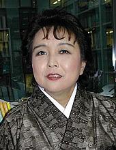 候補者 1 猪口 邦子さん(自民党...