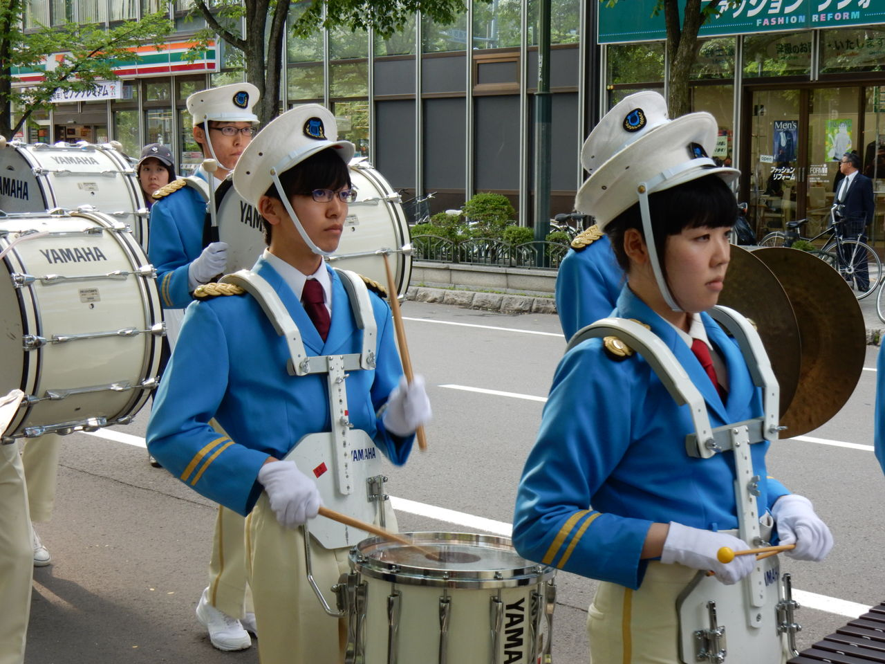 パレード中3