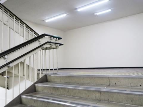 180718南茨木駅45階段壁@630