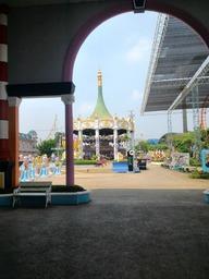タイ・バンコクの遊園地 Siam Park City  サイアムパークシティ   は絶叫系の乗り物も多い 面白いよ