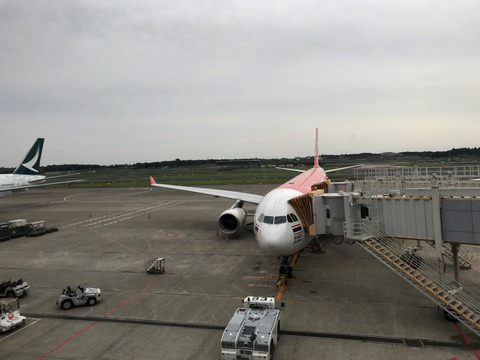 2018年5月 エアアジア 成田-バンコクは機材変更されて2-4-2の座席に