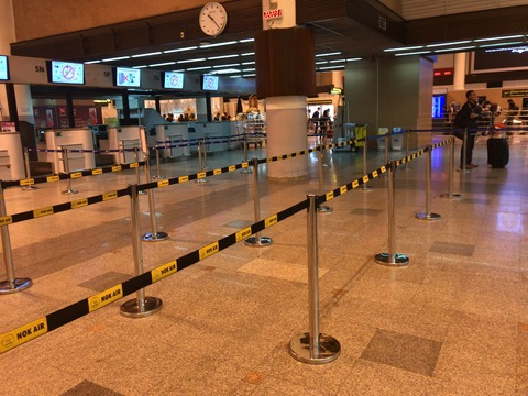 タイ・バンコク ドンムアン空港 最後にタイ料理など食事をするのなら 国内線の方へ歩いていってみよう