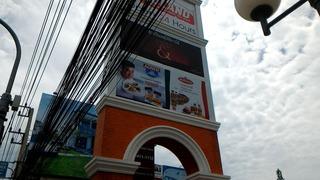タイ・パタヤのカオマンガイ フードランド前のお店はやっぱり美味しい 大根と鳥のスープもうまい