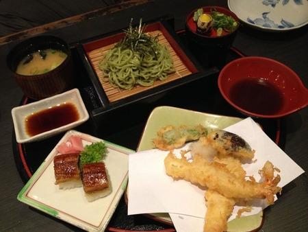 うに寿司・天ぷら・蕎麦のセット