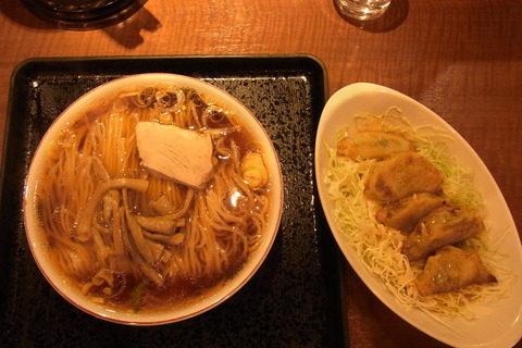 上海楼ラーメン、餃子