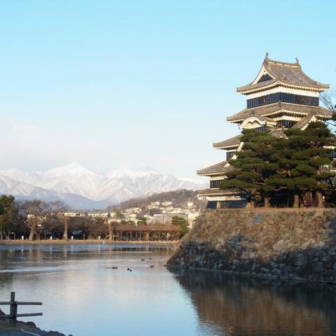 松本城と常念
