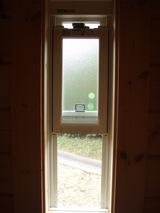 縦スライド窓