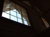 吹き抜け上部FIX窓