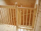 階段上部チャイルドゲート