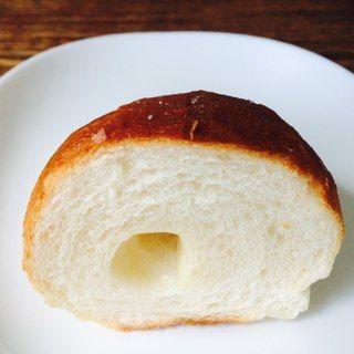 塩バターパン/ウオロクボーレ