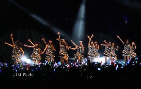 Konser-JKT48-Sritex-Arena-Solo-270613-Yok-Solopos
