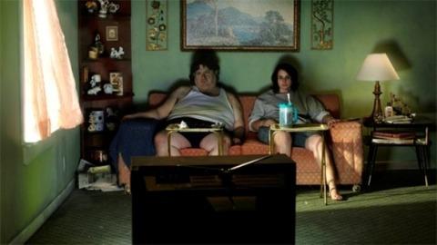 fatman-and-woman-watach-tv