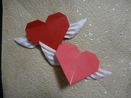 羽根つきハート型折り紙