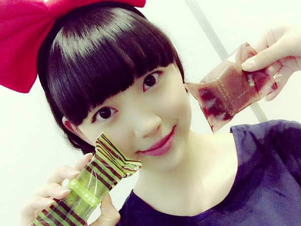 最新のヘアスタイル emoda 髪型 : 握手会の私服は春らく,可愛い ...