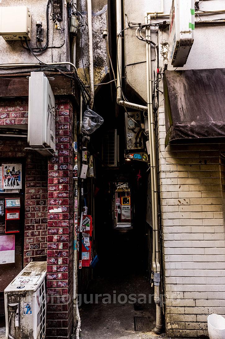 ゴールデン街-狭隘4