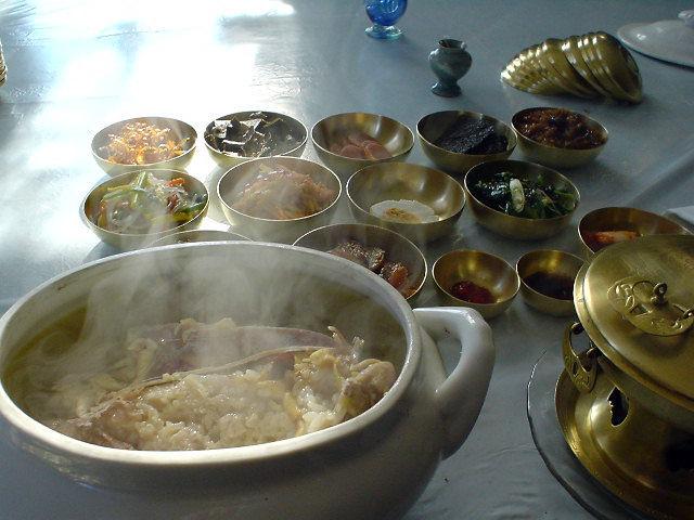 平壌観光 食卓