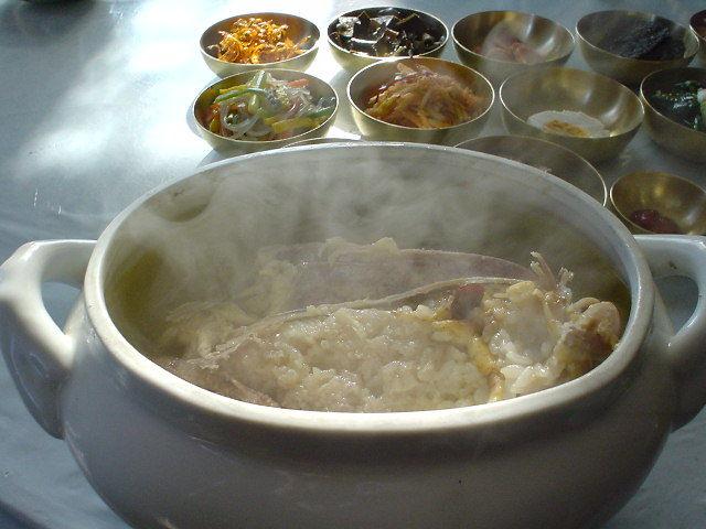 平壌観光 参鶏湯