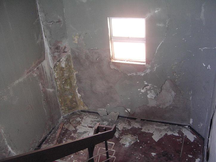 第一滝本館 階段の窓