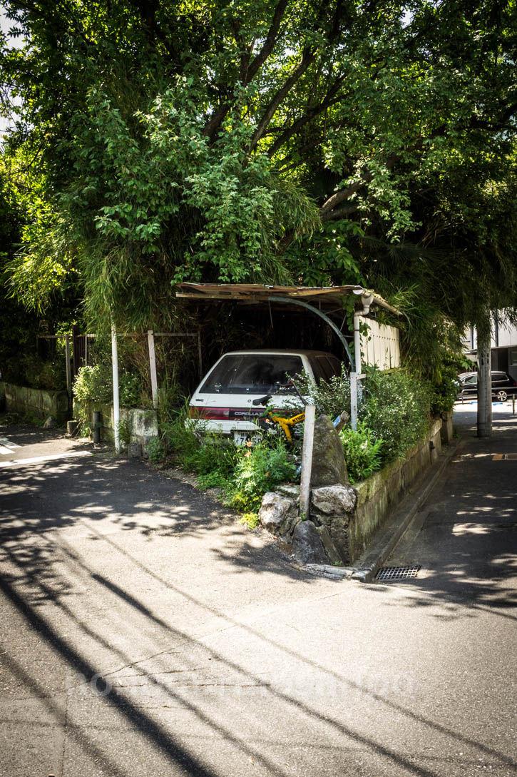 カローラ廃屋 車庫