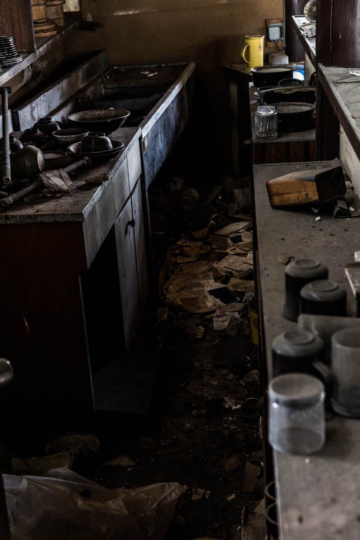 廃墟ラーメン屋-79