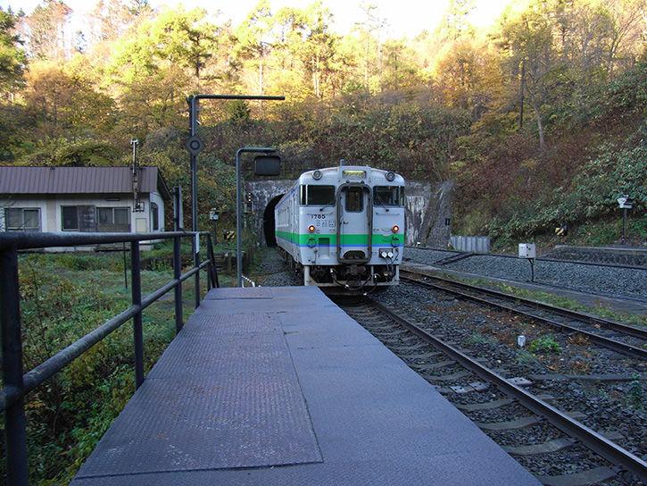 秘境駅 去る列車