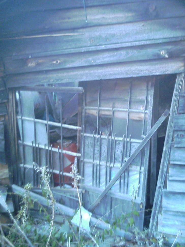 廃屋入り口