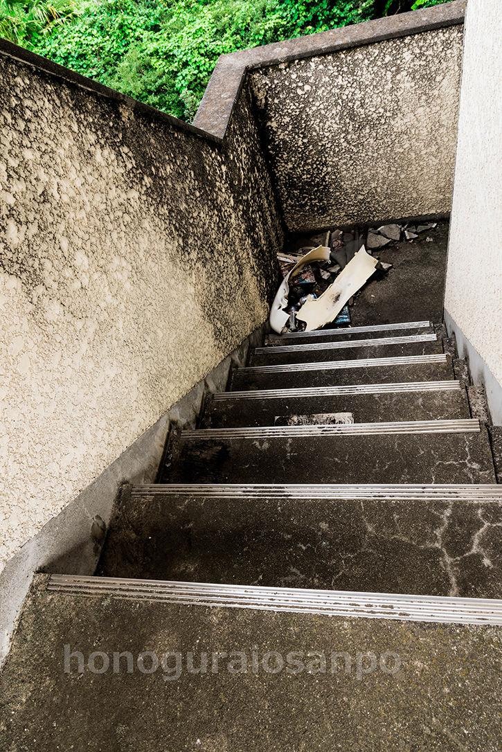 メィゾン 階段