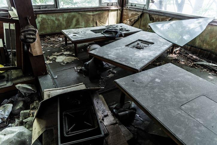 廃墟ラーメン屋-95
