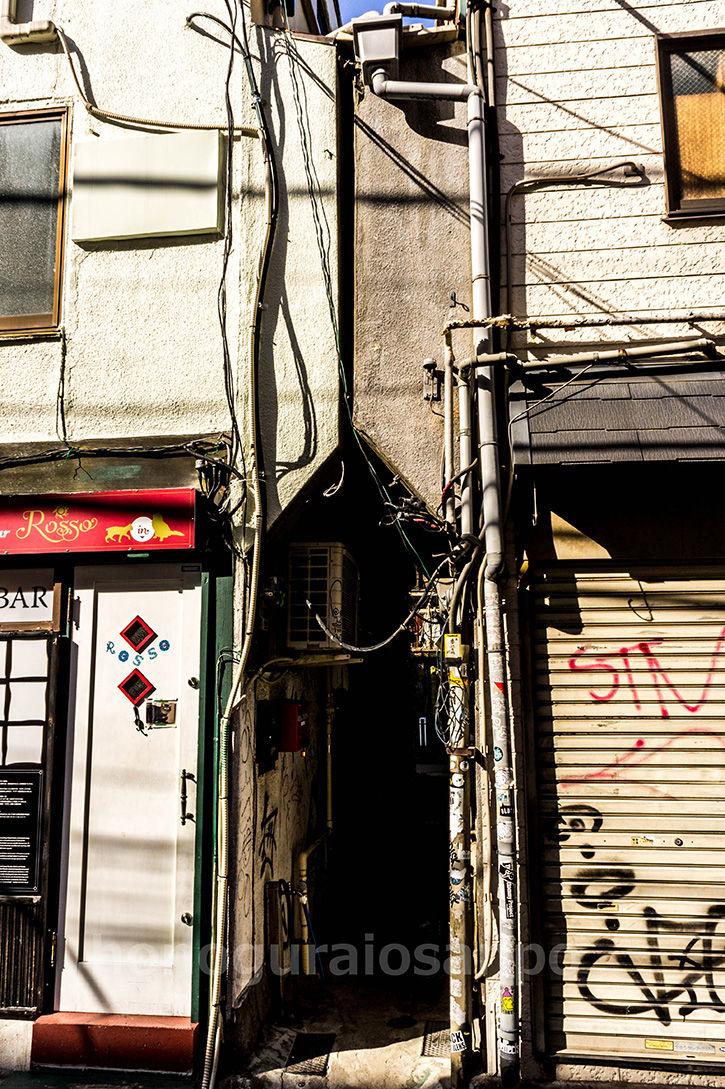 ゴールデン街-狭隘2