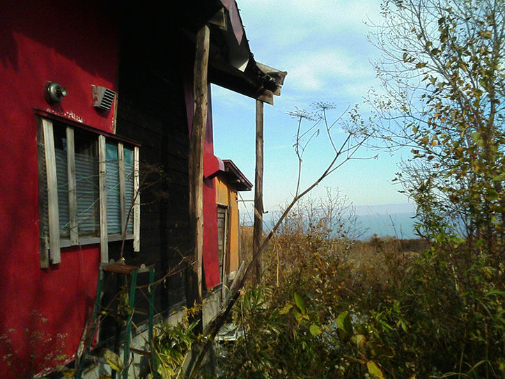 チニカ山荘 壁面