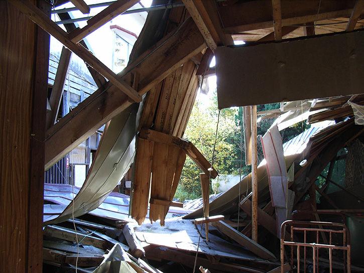 白鳥湖ホテル 破壊