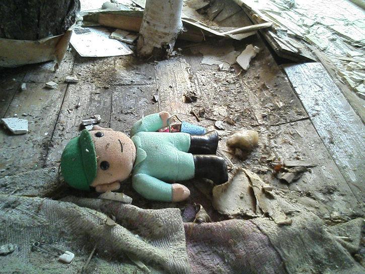 チニカ山荘 オーナー人形