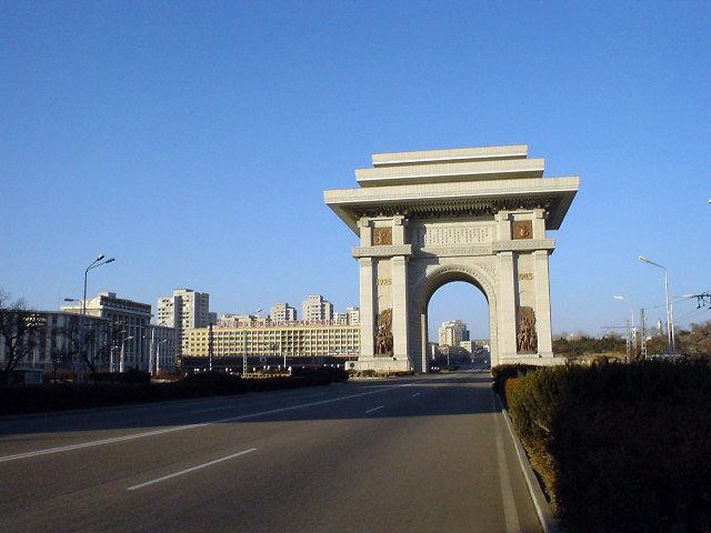 北朝鮮観光 凱旋門
