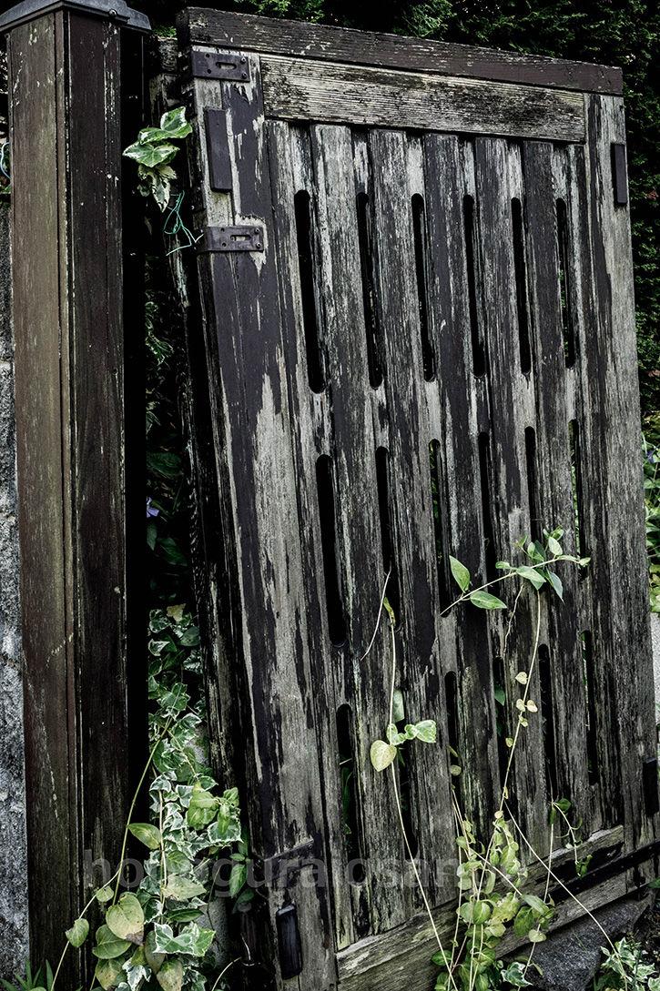 土気の物件 壊れた門