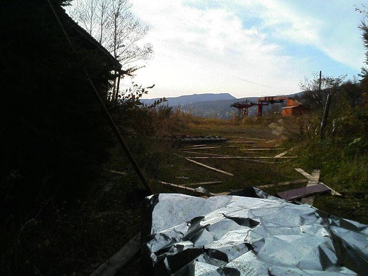 チニカ山荘 裏