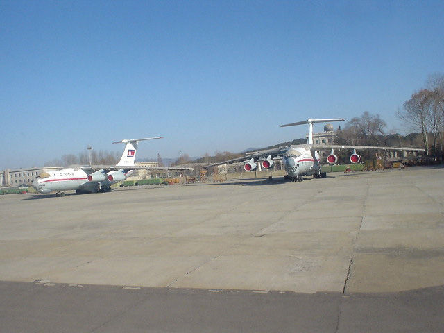北朝鮮観光 飛行機