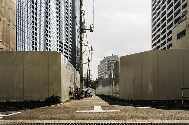 西新宿 ひろゆきハウス 壁